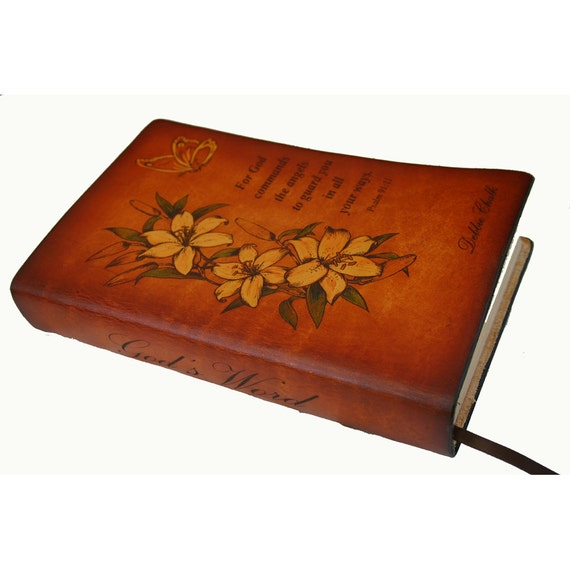 "Personalized Floral Bible ""Mom's Bible"""