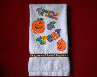 Halloween Appliqued Bathroom Hand Towel Halloween Hand Painted Kitchen Towel Halloween Home Decor Trick or Treat Towel Halloween Decoration