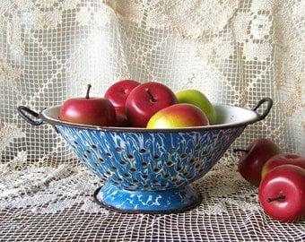 Vintage Enamelware Colander Blue Swirl Enamel Strainer Speckleware Graniteware Shabby Enamelware Cottage Decor Farm Kitchen 1930s