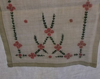 Vintage Runner or Dresser Scarf, Off White Linen,Pink and Green Laurel Floral Embroidery
