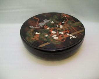 Lacquer Ware Lazy Susan Covered Tray, Japanese Design, Black Covered Lacquer Ware Server on Lazy Susan, Large