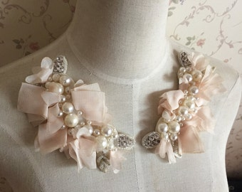 2 pcs Pearl Beaded Applique Light Pink Chiffon Leaves Corsage Collar Patch For Wedding Dress Shoulder Flowers Applique