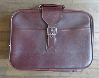 Vintage English Small Medium Red Bergundy Travel Carry Case Suitcase Holdall Carrier circa 1960-70's / English Shop