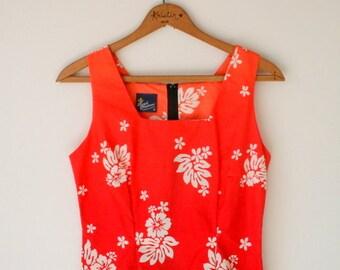 1970s HAWAIIAN DREAM Dress....size small.... mod. dreamy. day dress. 1970s dress. red dress. orange. vacation. hukilau. floral dress. retro