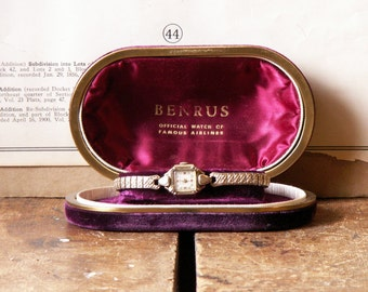 Vintage Ladies Watch in Original Velvet Case - Benrus - Official Watch of Famous Airlines