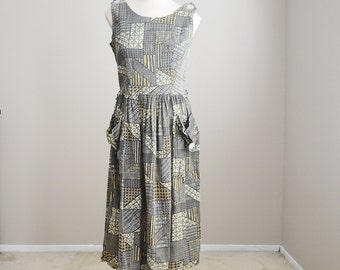 Vintage 50s 1950s Sleeveless Patterned Geometric Sundress House Dress // womens small- size 4/6