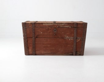 FREE SHIP  antique wood trunk, flat top steamer trunk