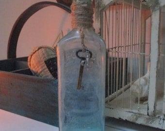 Vintage Aqua Hood's Sarsaparilla Bottle Skeleton Key Fleur De Lis Charm