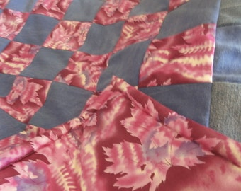 Leafy Purple and Pink Quilt/Throw/Blanket
