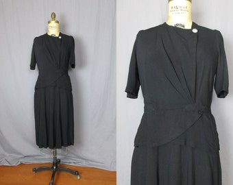 Black Dress with Pearlescent Buttons / 40's / medium