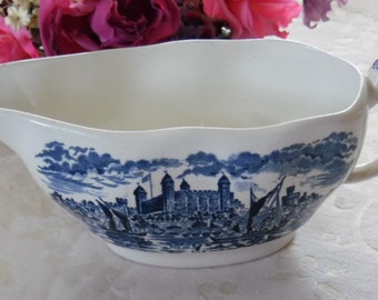 Wedgewood Gravy Boat Royal Homes of Britain Made in England