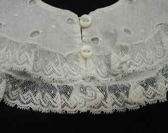 Sweet Child's Vintage Collar, White Eyelet and Lace Glass Buttons