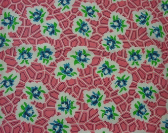 Pretty Vintage Full Feedsack Fabric Pink Background Lg. 37 x 44 1/2""