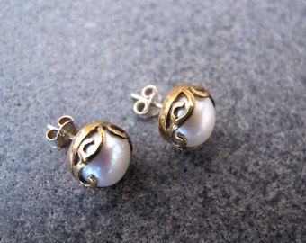 Sterling Silver and 8 carats Gold Earrings with Pearl