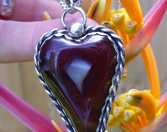R189--Agate  Heart Pendant