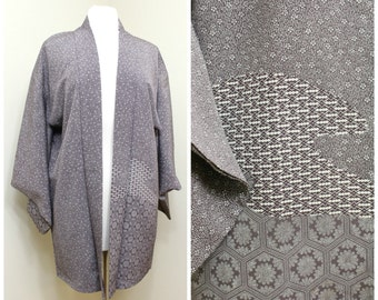 Japanese Haori Jacket. Vintage Silk Coat Worn Over Kimono. Purple Floral with Geometric Accents (Ref: 1200)
