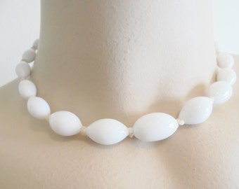 Vintage White Milk Glass Collar Necklace Strand JAPAN 1940's Hand Knotted Statement Art Deco Runway Retro