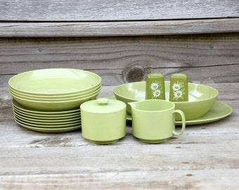 Melamine Dinnerware Set, Vintage Plastic Dishes, Oneida Avocado, Daisy Shakers