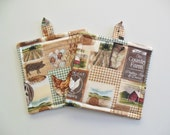 Pair of Country Living Potholders, Set of Two Quilted Potholders