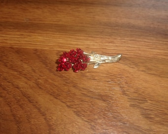 vintage pin brooch goldtone red flower bouquet