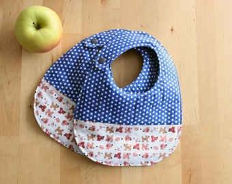 Set of two baby bib organic cotton polka dots and dogs print. Medium size bib for babies and toddlers bymamma190.