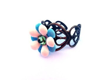 Blue flower ring - vintage parts, vintage flowers, vintage beads - Colorful, bright, blue and white - Swarovski crystals, Swarovski, sparkle