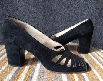 Vintage Shoe Biz at Bendel suede leather heels women's 6.5N