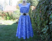Nice Dress Vintage / Size EUR40 / UK12 / Elastic Waist / Blue / White