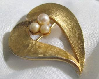 Capri designer marked satinwork gold GENUINE PEARL pin brooch. Beautiful patina
