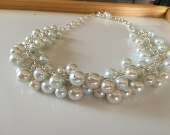 Chunky pearl necklace in Ivory and white - cluster Pearl statement necklace