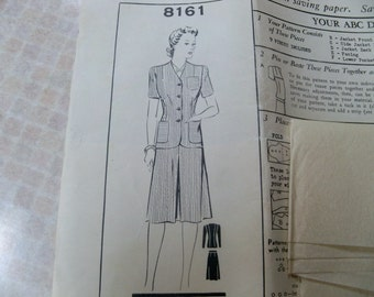 1940s Mail Order Pattern 8161 Size 20 Womens Suit Semi Fitted Jacket Skirt Unprinted Inverted Pleat Suit Sewing Pattern Supply Factory Folds