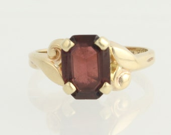 Vintage Garnet Solitaire Ring - 10k Yellow Gold January Birthstone 2.50ct N60
