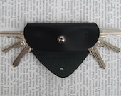 Leather key holder, Holds 1-6 keys, 3 mm brass shaft , for keys with a small hole