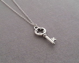 Antique Silver Key Necklace. Vitage Key Necklace. Key Pendant. Layering Necklace. Key Charm. Trendy
