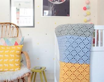 "Filet crochet baby blanket ""Holland"" --> 20% SALE <--"