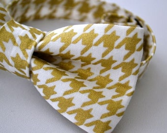 Mens Bowtie in Metallic Gold Houndstooth, Gold Bow Tie, Groomsman Bow Tie
