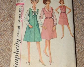 Simplicity 5401 - 1970s Dress Pattern - SIZE 18 1/2