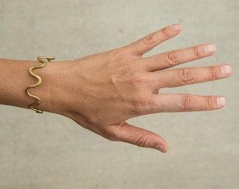 Handmade hammered brass squiggle bracelet