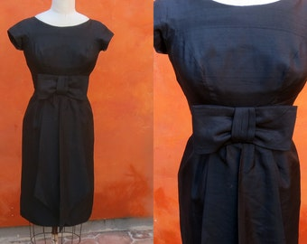 Vintage 1950s 1960s Black Silk Wiggle Dress. Bow in front. Jane Andre Sz 0 2 4 S XS