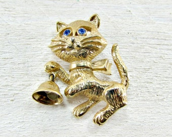 Vintage Cat with Bell Brooch Pin, Designer AVON Brooch, Gold Cat Brooch, Figural Animal Cat Jewelry, 1970s Jewelry, Gift for Cat Lover