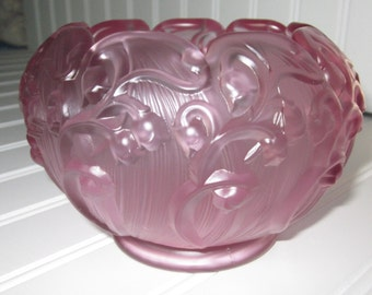 FENTON Art Glass pink frosted - embossed Lily of the Valley Rose Bowl with hallmark charming glass,tabletop, Shabby Chic