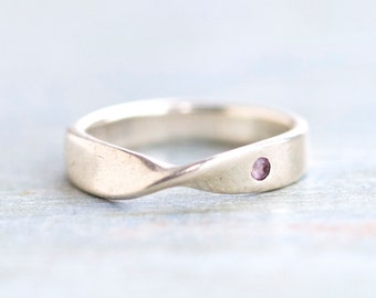 infinity Ring Band - Sterling Silver Ring Size 6.5 - With Tiny Purple Stone
