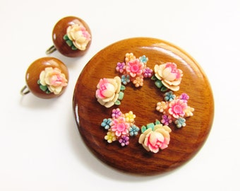 Vintage Hand Painted Celluloid Flower Wood Brooch Earrings