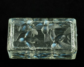 Vintage Opalescent Glass Bird Motif Divided Three Compartment Lidded Box