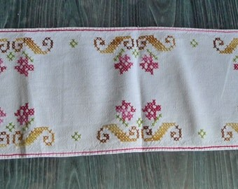 table runner embroidered vintage french