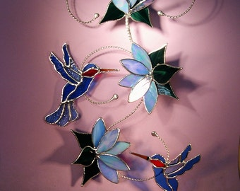Stained Glass Hummingbirds with Flowers   (689)