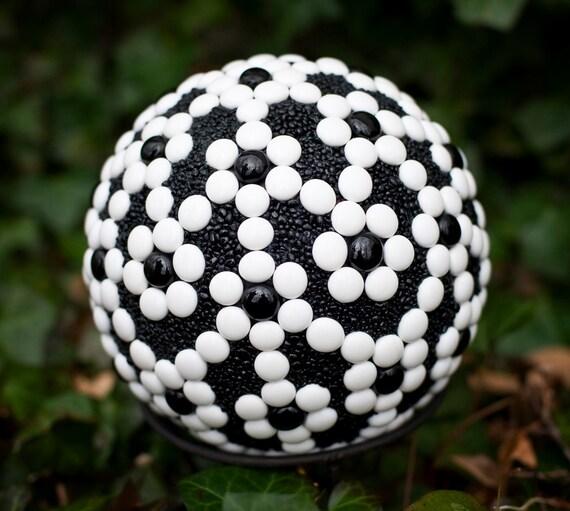 Ebony and ivory ball