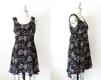 On SALE 90's Vintage Floral Dress / Tiered Dress