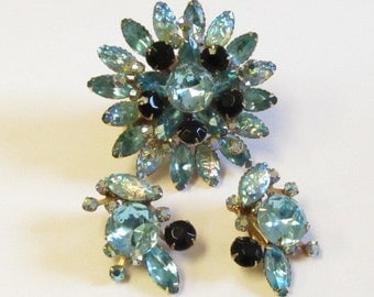 Vintage Judy Lee Aqua Blue and Black Iridescent Art Glass Rhinestone Brooch and Marching Clip on Earrings