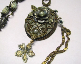 Victorian Art Nouveau Sea Foam Green Rose Faux Pearl Long Pendant Necklace